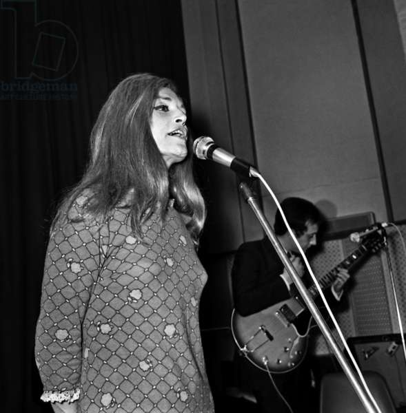 Singer Dalida during the Radio Programme on RTL, 29 March 1968 (photo)