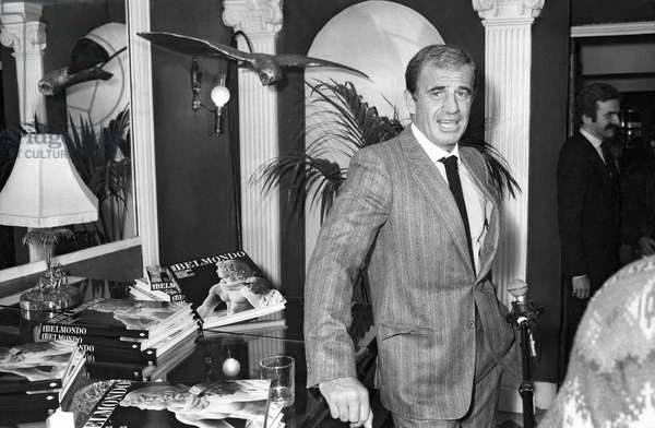 French Actor Jean Paul Belmondo at reception given for the album of his father, the sculptor Paul Belmondo in Paris, 28 November 1984 (photo)