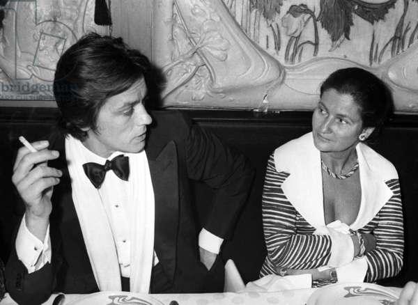 "Alain Delon and Simone Veil during Dinner after the Premiere of the play ""L'autre valse"" October 1st, 1976, Paris (photo)"