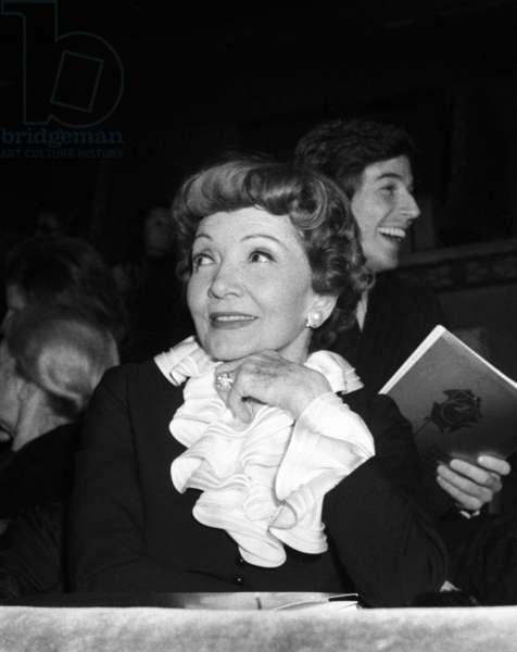 Claudette Colbert at the Gala for the film