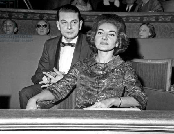 Maria Callas attending a show in Paris, 25 November 1963 (photo)