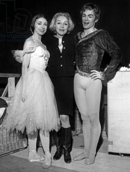Marlene Dietrich with dancers Margot Fonteyn and Rudolf Noureyev at the Australian Ballets, Paris, 25 December 1965 (photo)