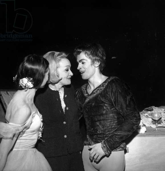 Marlene Dietrich with dancers Margot Fonteyn and Rudolf Noureyev, Australian Ballets, Paris, 25 December 1965  (photo)
