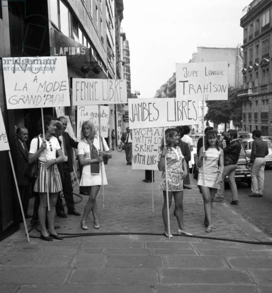 Demonstration of women, Paris, in favour of mini skirt, August 1969 (photo)
