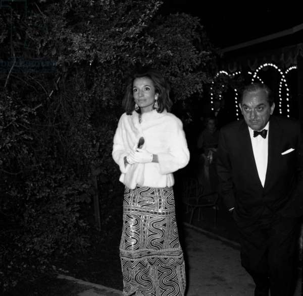Princess Lee Radziwill and her husband Stanislaw Albrecht Radziwill at a ball given by the -Agnellis in Bois de Boulogne, Paris, 27 May 1967 (photo)