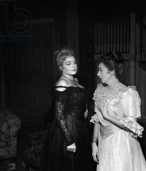"French Actors Simone Signoret and Suzanne Flon during rehearsal of the play ""Les Petits Renards"", Paris, 28 November 1962 (photo)"