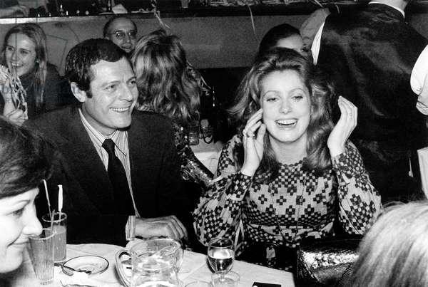 Catherine Deneuve and Marcello Mastroianni at the Alcazar Cabaret, 26 February 1971 (photo)