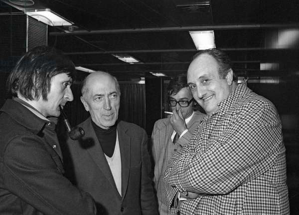 Chamrousse humour festival, France, January 20, 1976 : Pierre Tchernia (r) (b/w photo)