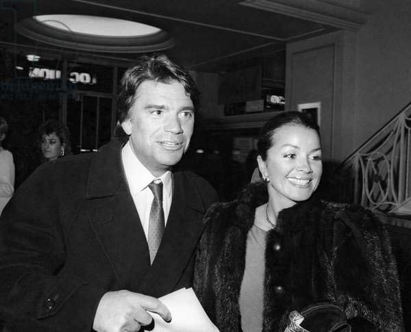 """Bernard Tapie and his wife Dominique at the Premiere of the play """"Kean"""", Theatre Marigny, Paris, 1987 (photo)"""