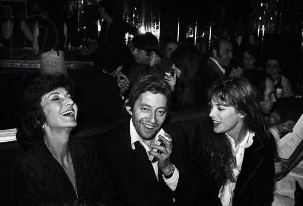 Judy Campbell (or Judy Gamble, Jane Birkin's mother), Serge Gainsbourg and Jane Birkin at the Alcazar in Paris, 7 January 1974 (photo)