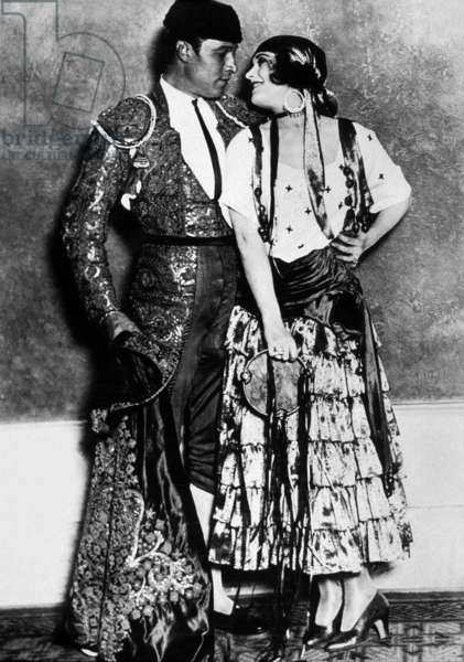Actors Rudolph Valentino and Pola Negri during a fancy-dress ball in Los Angeles c. 1925