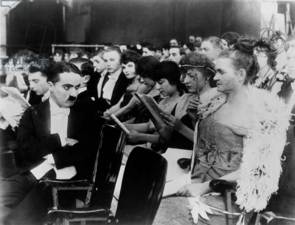 Charlot au music-hall A Night in the Show de Charles Chaplin avec Charlie Chaplin en 1915 (film muet)