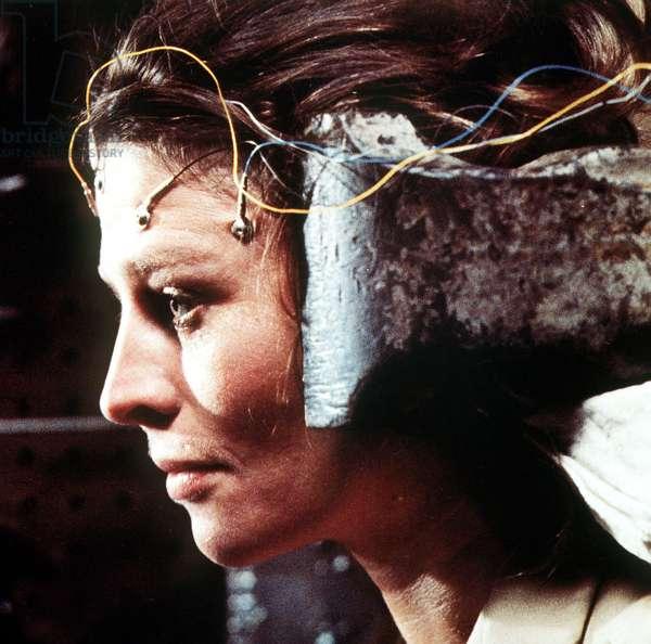 Demon seed de DonaldCammell avec Julie Christie 1977 experience scientifique electrodes et etau sur la tete cobaye scientific experience vice vise around the head guinea pig Ref 35193 07KPAORBTEU