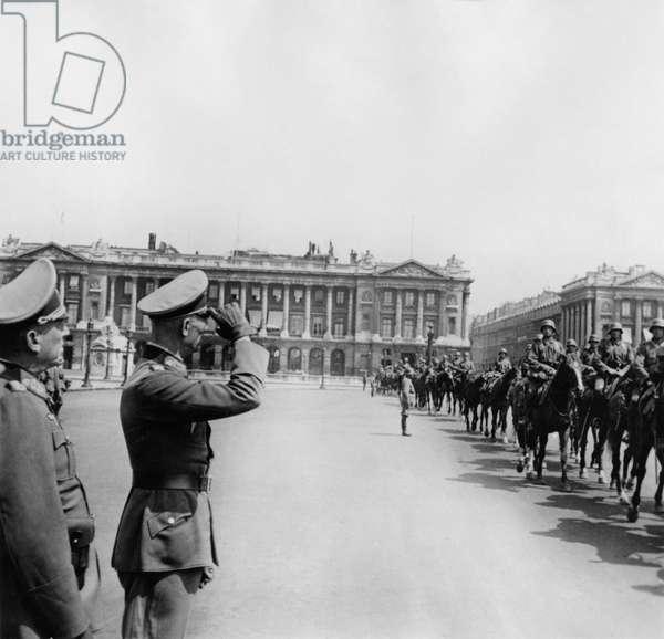 Occupation, Paris, 1940 : parade of German troops on horse on the place de la Concorde