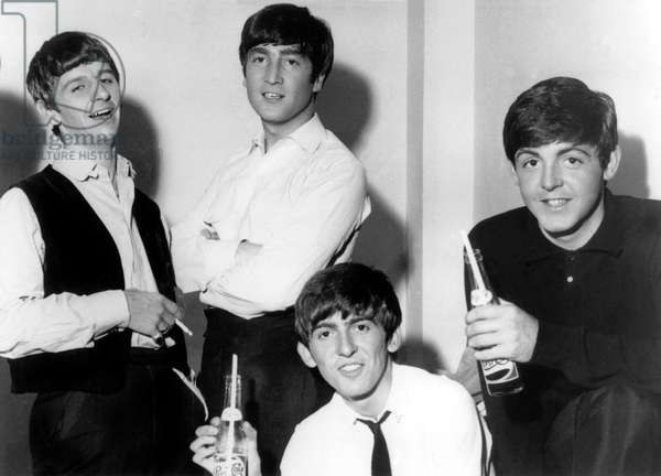 The Beatles : Ringo Starr, John Lennon, George Harrison, Paul McCartney in December 1963