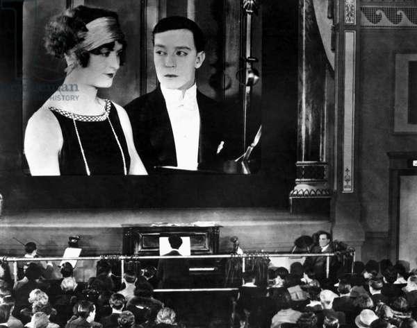 Kathryn McGuire, Buster Keaton dans le film SHERLOCK JR. de BusterKeaton 1924,