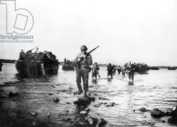 American soldiers during the allied Normandy landings in France June 1944