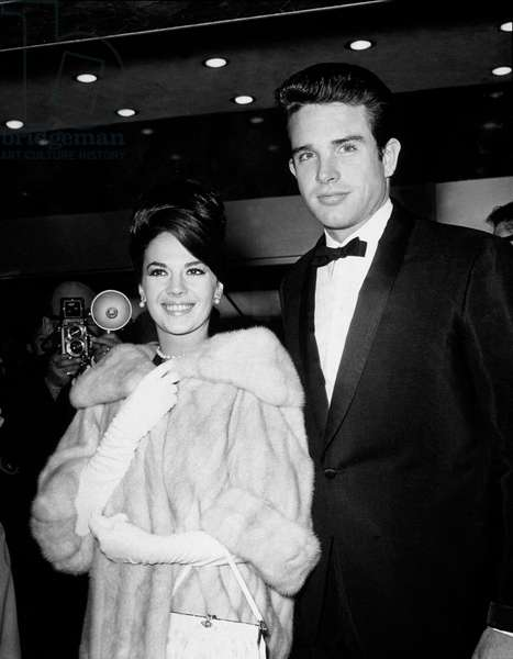 Warren Beatty and Natalie Wood at Academy Awards on April 9, 1962