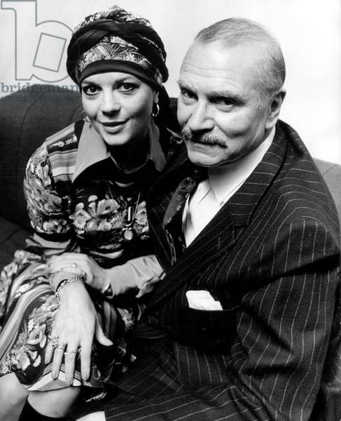 Actors Natalie Wood with Lord Laurence Olivier on May 21, 1976 (at time of tvmovie Cat on a Hot Tin Roof)