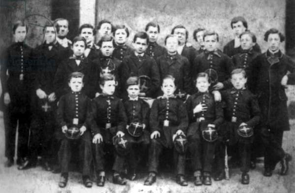 Class photo, 1864 at Rossat institute in Charleville (France) : Arthur Rimbaud (1st row, 3rd from l) and his brother Frederic (4th)