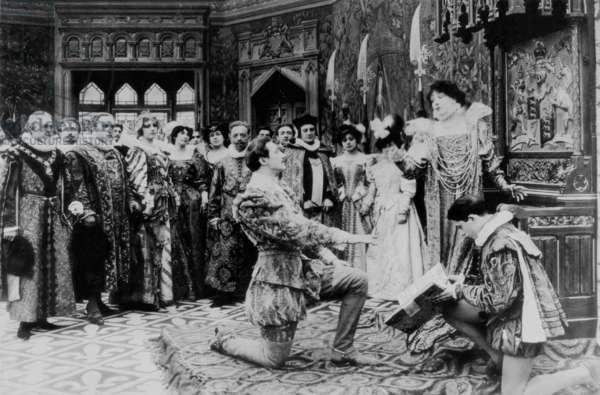 Les Amours de la reine Elisabeth Queen ELIZABETH de HenriDesfontaines et Louis Mercanton avec Sarah Bernhardt, 1912