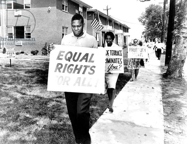 fight against segregation : demonstration of black people against project of home applaying segregation in 1963 in Alabama
