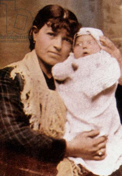 Rose Garavente with her grandson Franck Sinatra, in the early 1916