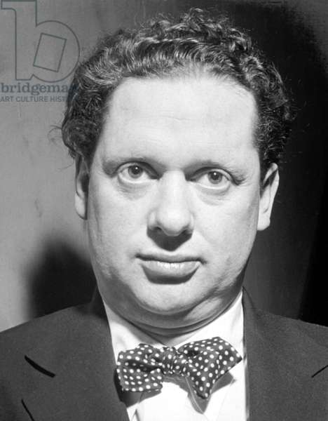 Dylan Thomas, during his reading tour in the USA, New York, 1952 (b/w photo)