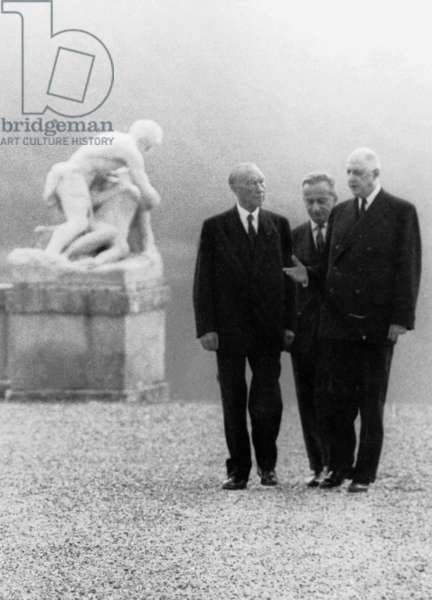 last official meeting of French President De Gaulle and German chancellor Konrad Adenauer (before his resignation) in the context of construction of Europe after signature of the French-German agreements September 1963 - CEE EEC relation franco-allemandes German-French relationships France Allemagne Germany, photo Pool