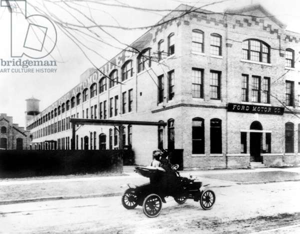 Ford motor company 2nd fActory, at Piquette and Beaubien streets in Detroit, 1904