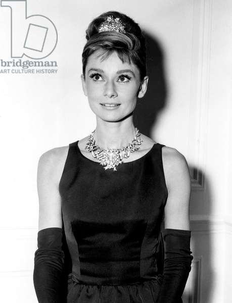 Diamants sur canape Breakfast at Tiffany's de BlakeEdwards avec Audrey Hepburn 1961 (robe Givenchy)