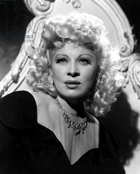 The Heat's on Tropicana de Gregory Ratoff avec Mae West 1943