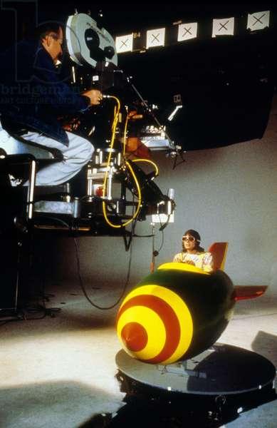 Michael Jackson tournant une scene pour le clip de MOONWALKER, 1988 - Michael Jackson filming a scene for MOONWALKER, 1988