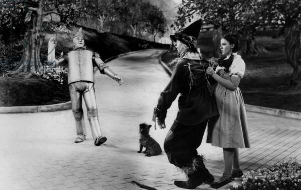 Le magicien d'Oz THE WIZARD OF OZ de Victor Fleming et Richard Thorpe avec Ray Bolger, Judy Garland, Jack Haley (L'Homme de Fer-Blanc, Tin Man), 1939