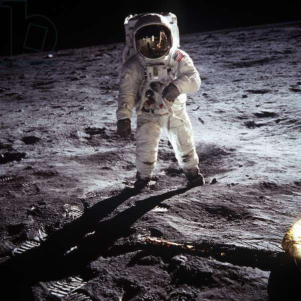 1st steps of human on Moon : American Astronaut Edwin