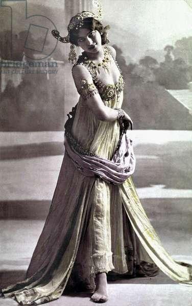 Margaretha Geertruida Zelle called Mata Hari (1876-1917) dutch dancer and spy for the Germany, photographied in 1906 by Stanislaw Julian Ignacy aka Walery