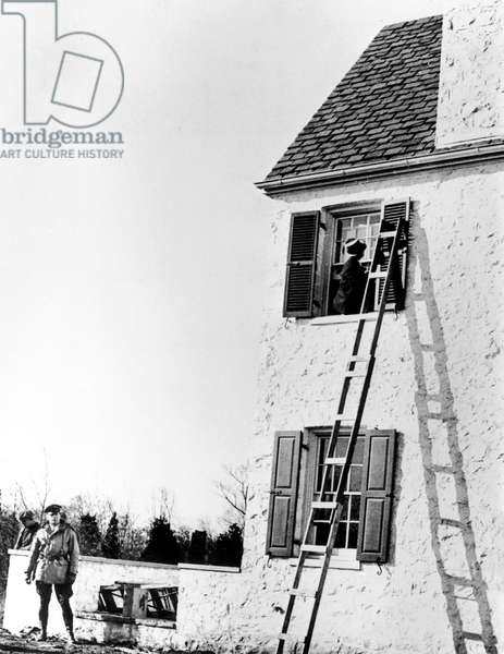 Lindbergh affair : view of the ladder used for the kidnapping of child Charles Jr Lindbergh, Ann Morrow and Charles Lindbergh's son, by Bruno Richard Hauptmann, 1932