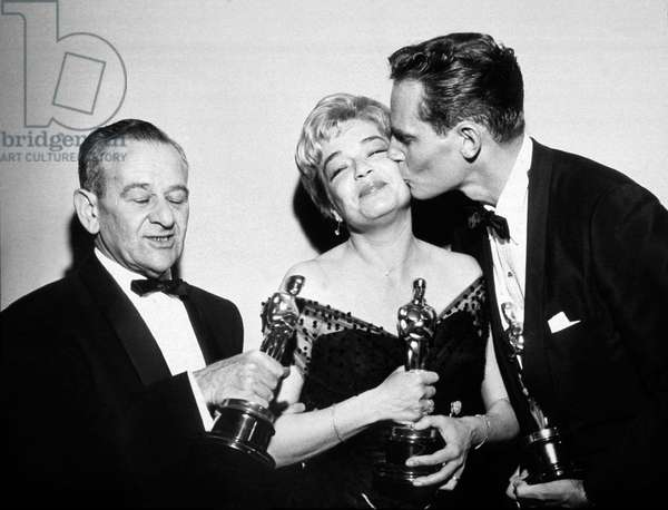 Academy Awards winners : William Wyler , best director for Ben Hur, Simone Signoret Best Actress for her role in Room at the Top, Charlton Heston Best Actor for his role in Ben Hur Ben-Hur April 04, 1960