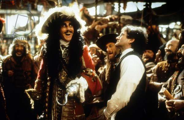 Hook de Steven Spielberg avec Dustin Hoffman (capitaine Crochet) et Robin Williams (Peter Pan), 1991