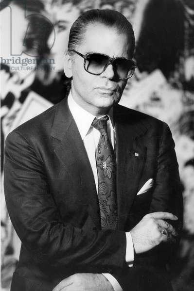 Karl Lagerfeld , directeur de la maison Chanel en septembre 1987 Neg B75232PL Karl Lagerfeld, director of Chanel fashion house September 1987