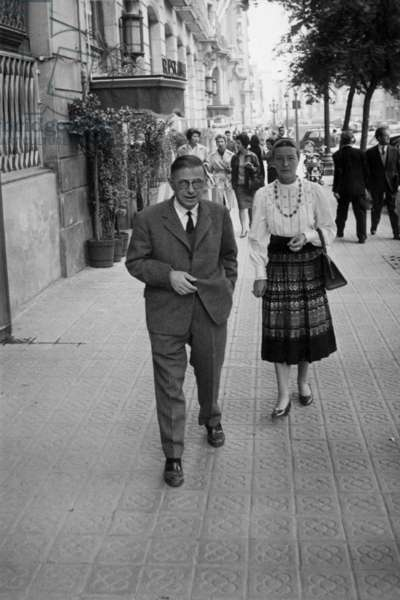 Writers Jean-Paul Sartre and Simone de Beauvoir in Barcelona on November 5, 1960