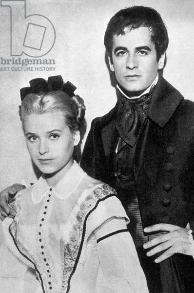 Les Miserables de Jean Paul Le Chanois et ecrit par Michel Audiard avec Beatrice Altariba (Cosette) et Giani Esposito (Marius) 1958 (d'apres VictorHugo)