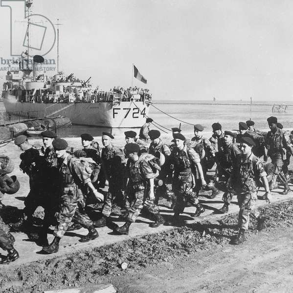 French colonial paratroopers are the last French troops to leave Egypt December 26, 1956 during Suez Crisis
