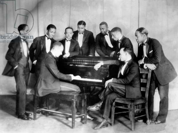 The Fletcher Henderson Band summer 1924 : Fletcher Henderson at piano, Coleman Hawkins (r), Don Redman (4th from r)