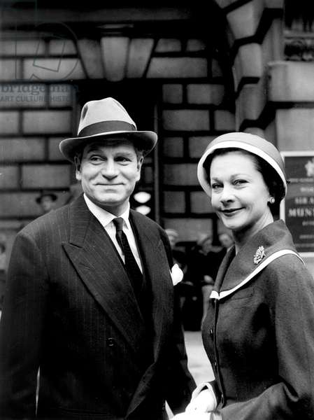 English Actress Vivien Leigh with her husband Sir Laurence Olivier 1956