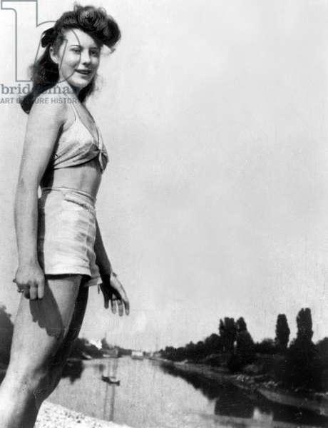 Model Bettina at 18 years-old, 1943