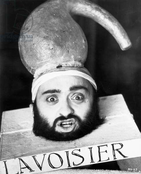 Marat Sade de PeterBrook avec Leon Lissek ( dans le role de Lavoisier) 1966