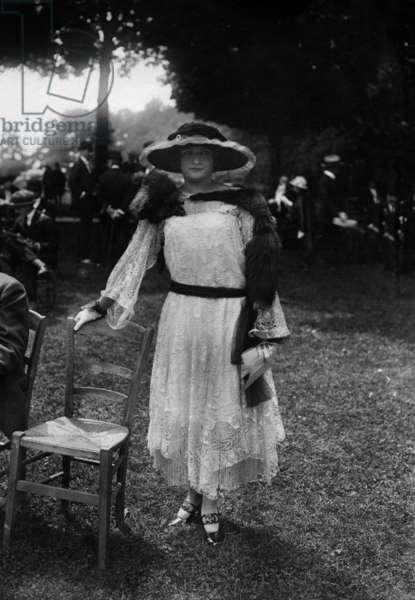 Elegant woman, c. 1920
