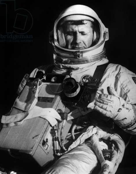 Gemini 11 (September 1966) : American Astronaut Richard Gordon, pilot, here on September 2, 1966