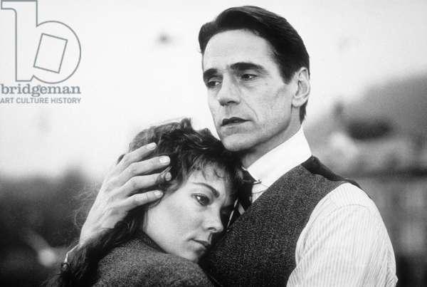 Kafka de StevenSoderbergh avec Jeremy Irons, Theresa Russel 1991